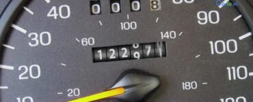Simple-tips-to-identify-an-odometer-fraud